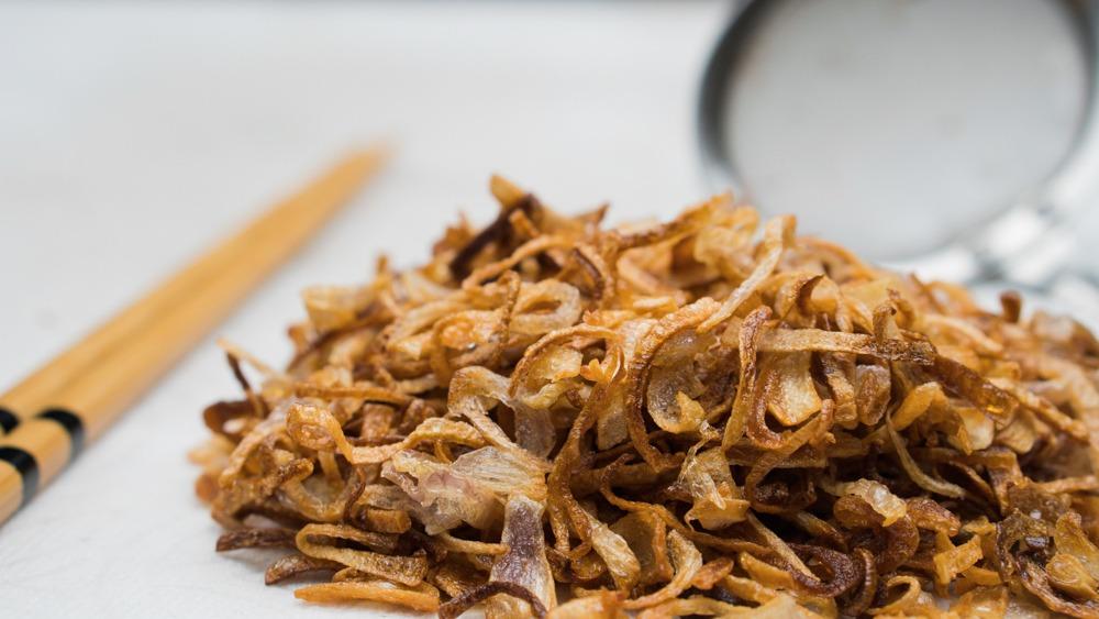 Addictive Crispy Fried Shallots (Hanh Phi)